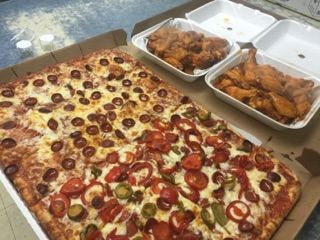 Pizza & Wing Combo's